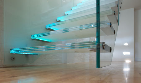 modern-hanging-glass-staircase-designs-w
