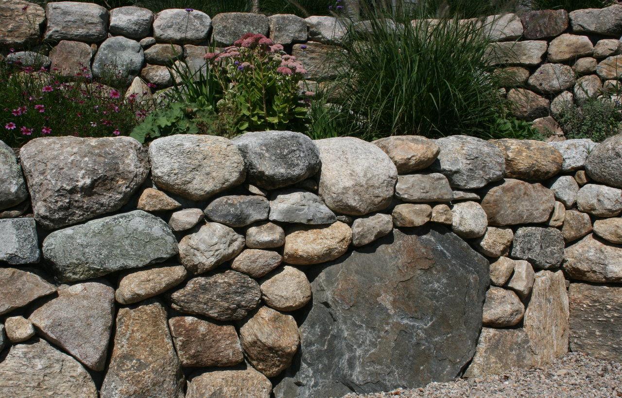 Fieldstone Garden Wall