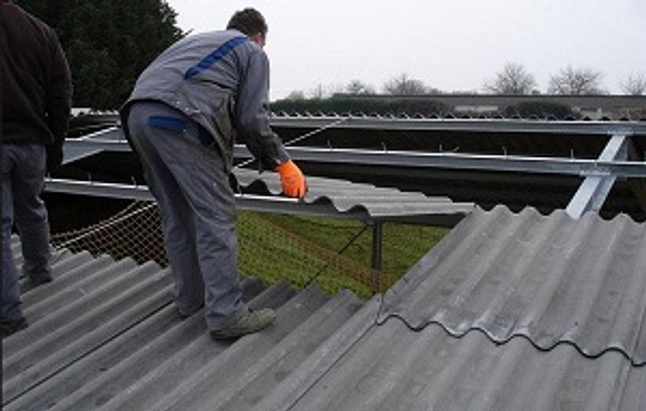 Travaux d 39 entretien toiture devis gratuit les compagnons couvreurs - Reglementation demontage toiture fibro ciment ...