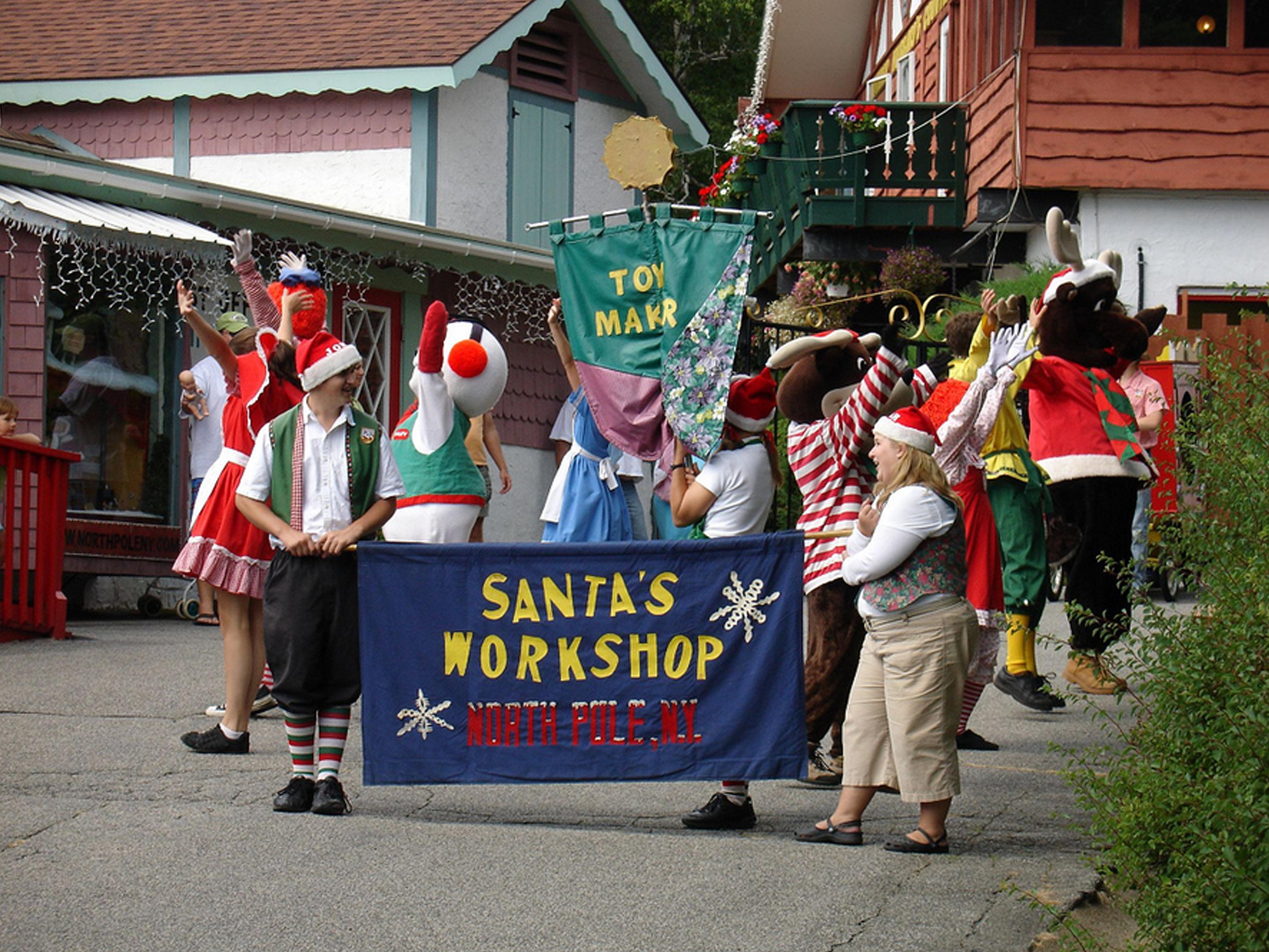 North Pole, NY home of Santa's Workshop | SANTA CLAUS PARADE