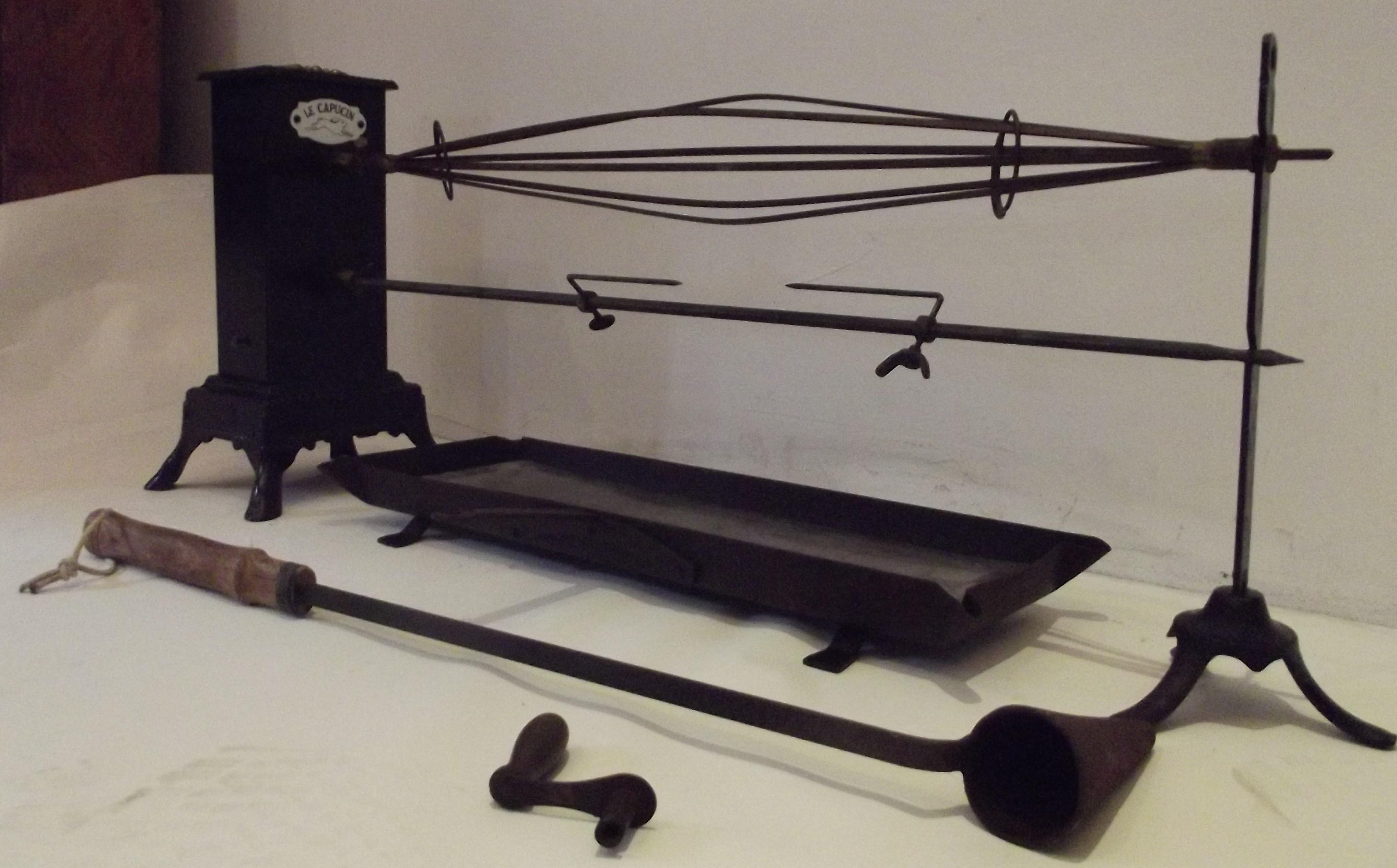 tourne broche mecanique neuf ustensiles de cuisine. Black Bedroom Furniture Sets. Home Design Ideas