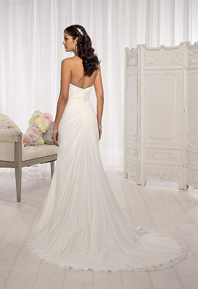 Wedding dress shop london victoria wedding dresses in for Wedding dress outlet london