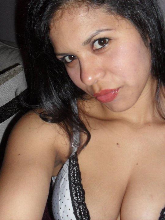 Sonia Vaztike Nude Photos 15