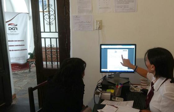 Rentas abri una oficina de atenci n al contribuyente en for Oficina atencion al contribuyente madrid