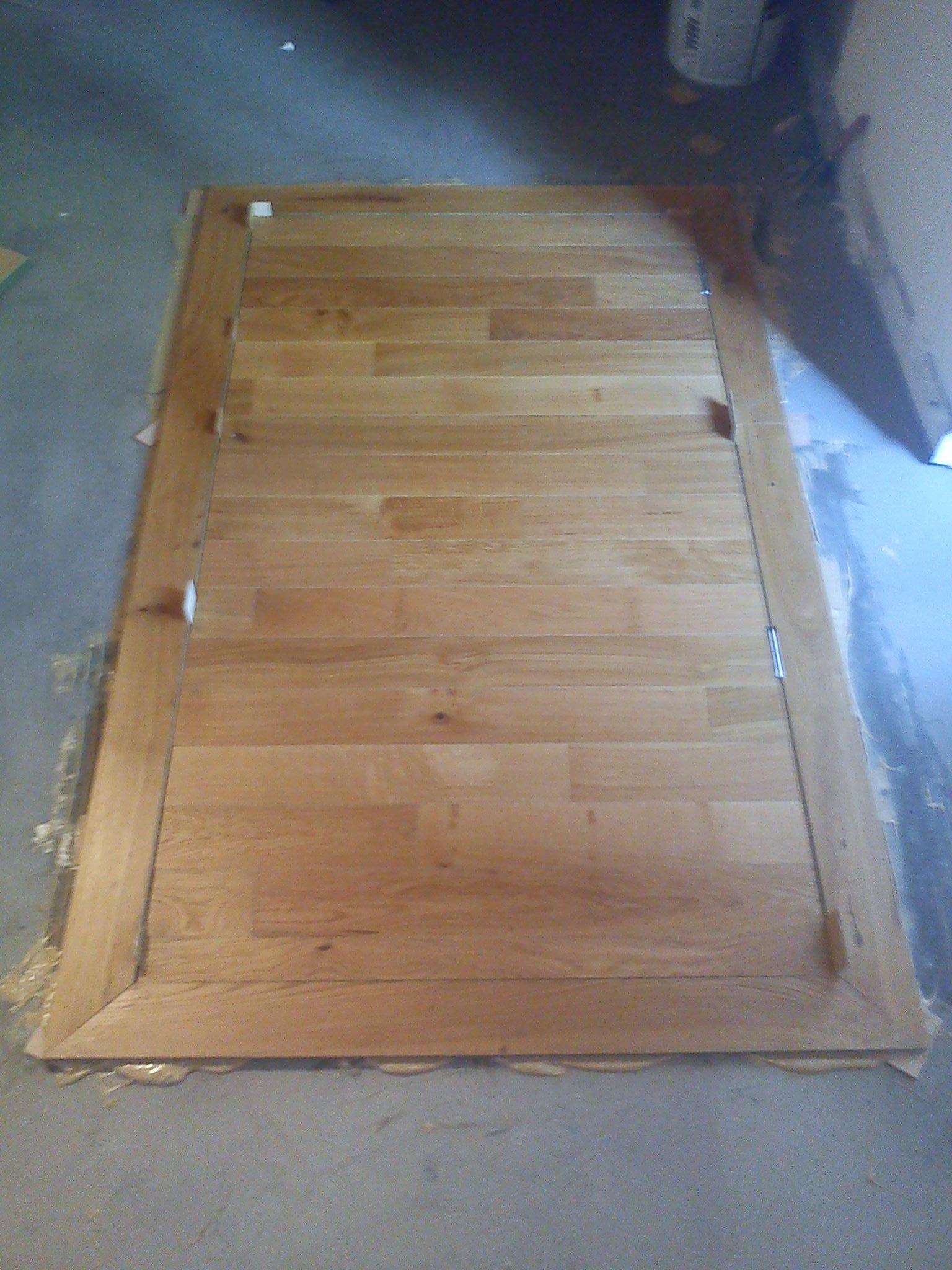 trappe d 39 acc s cave vin. Black Bedroom Furniture Sets. Home Design Ideas