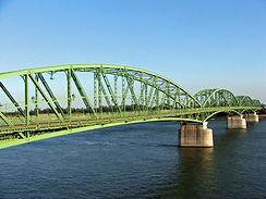 Komarom,_Elizabeth_bridge.jpg
