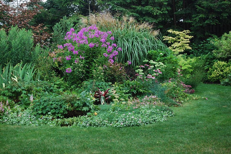 Gates landscape garden design midwest horticulture for Garden design midwest