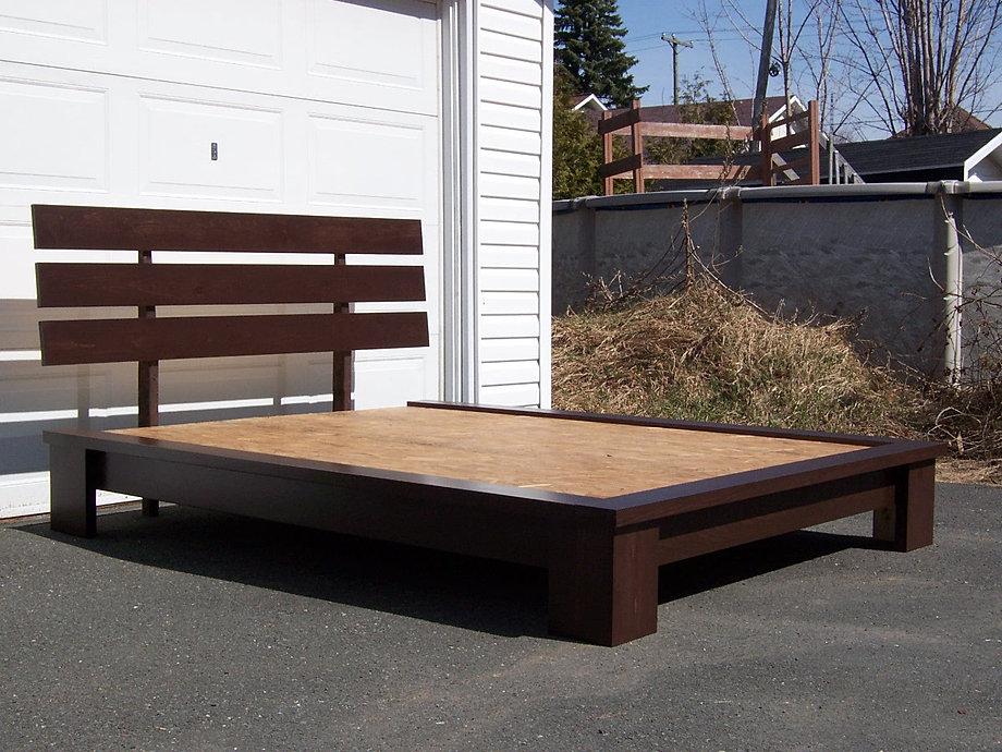 base de lit chocolat l 2. Black Bedroom Furniture Sets. Home Design Ideas