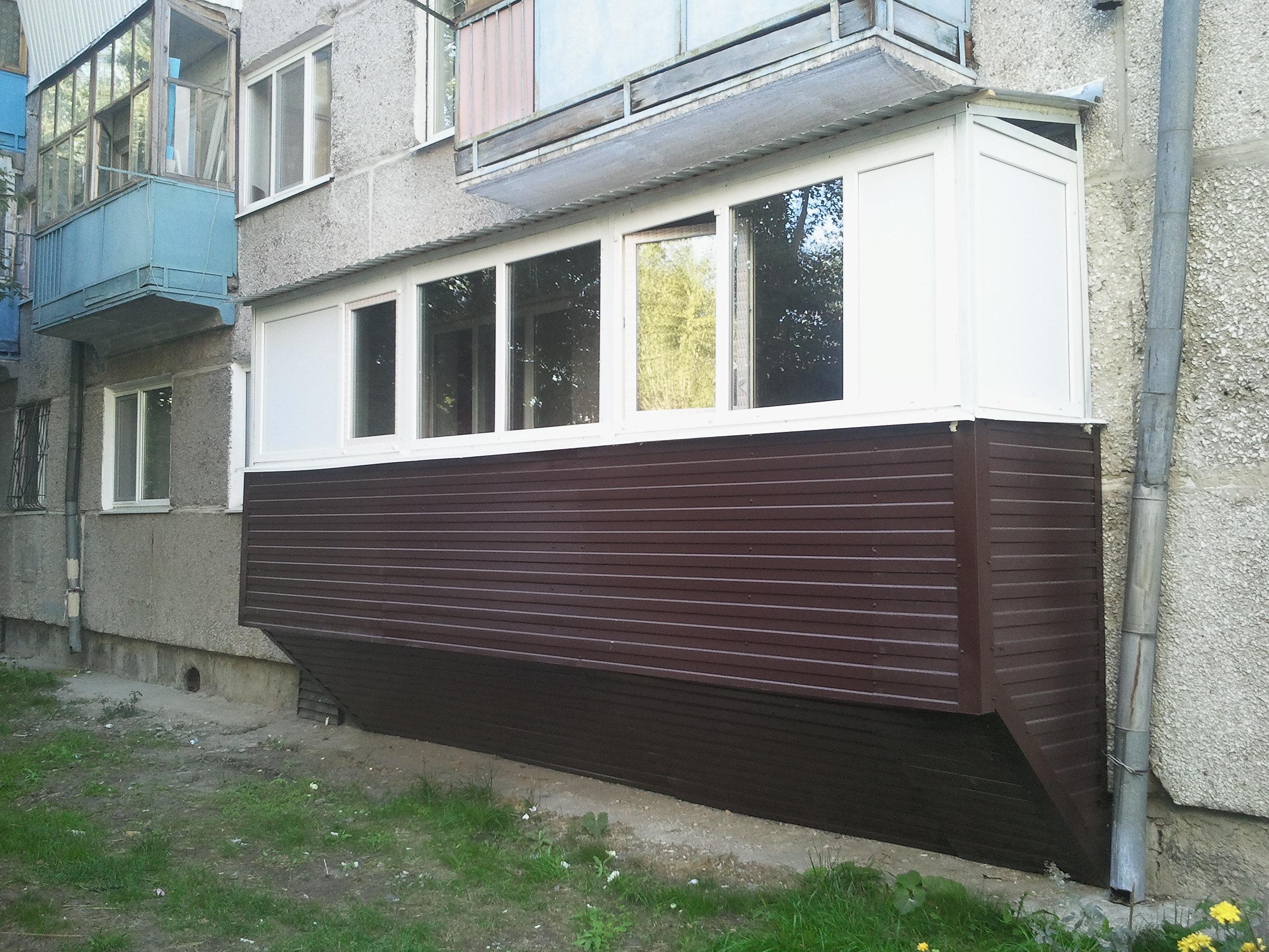 Остекление балкона + наружная обшивка сайдингом в тюмени - н.