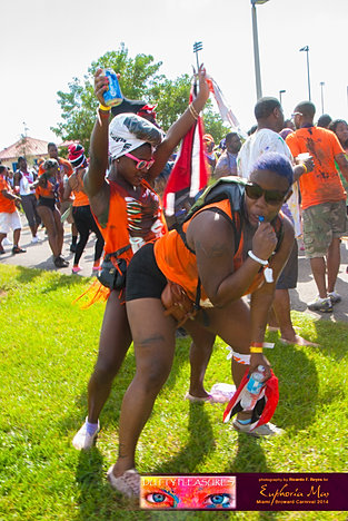 Dutty_Pleasures_Jouvert_2014_jpegs-252.jpg