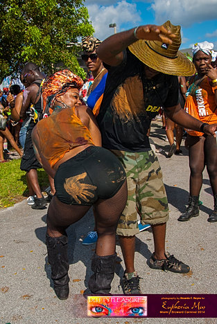 Dutty_Pleasures_Jouvert_2014_jpegs-172.jpg