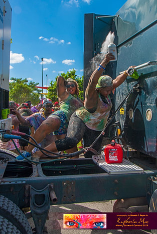 Dutty_Pleasures_Jouvert_2014_jpegs-290.jpg