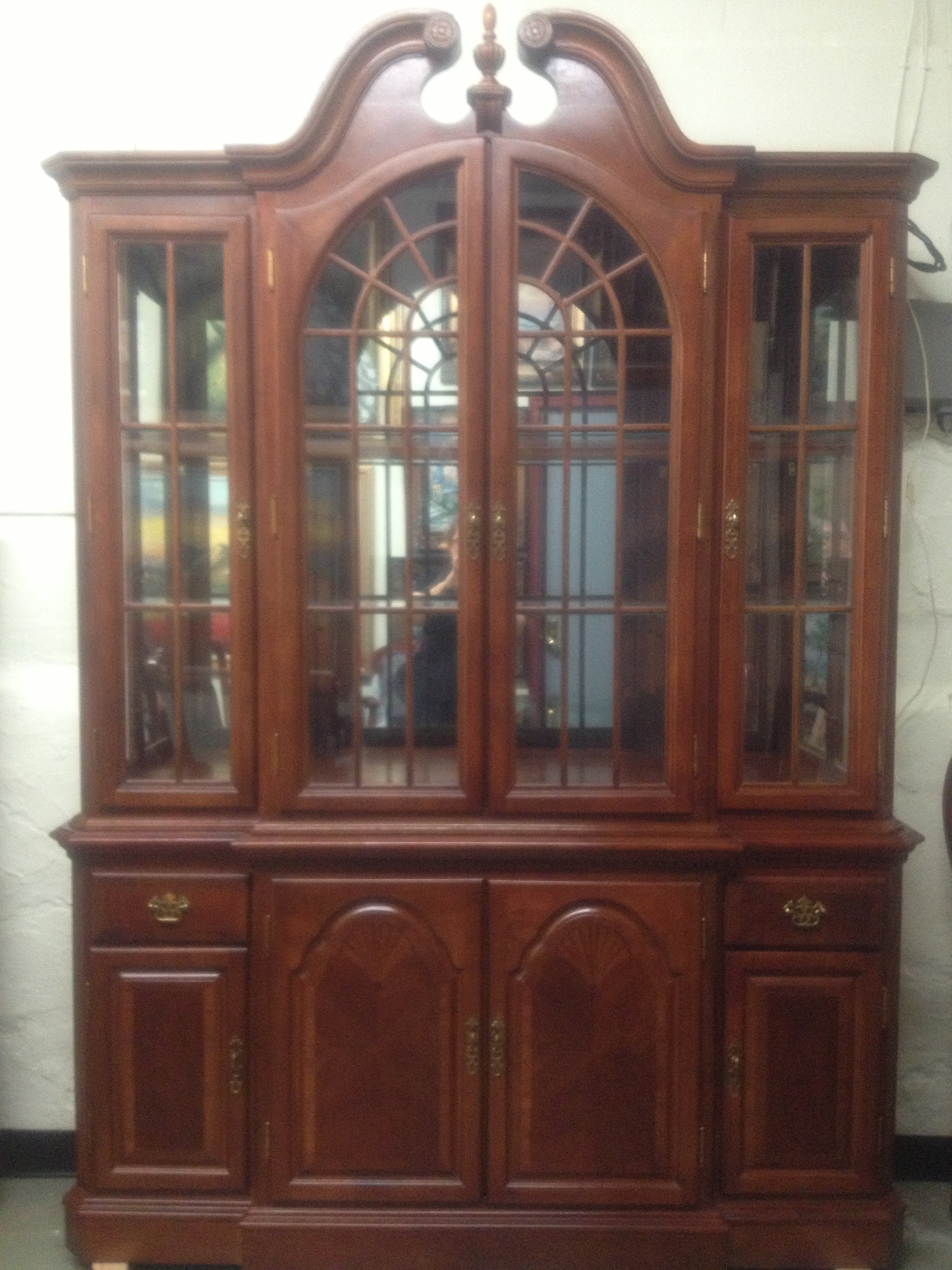Antiques vintage and collectibles daysi 39 o galleria in west for Chinese kitchen cabinets nj