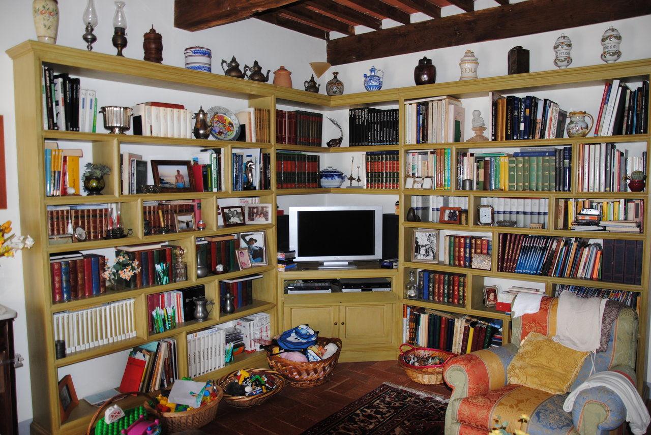 Stefanini restauro antichita pietrasanta lavori su for Libreria ad angolo