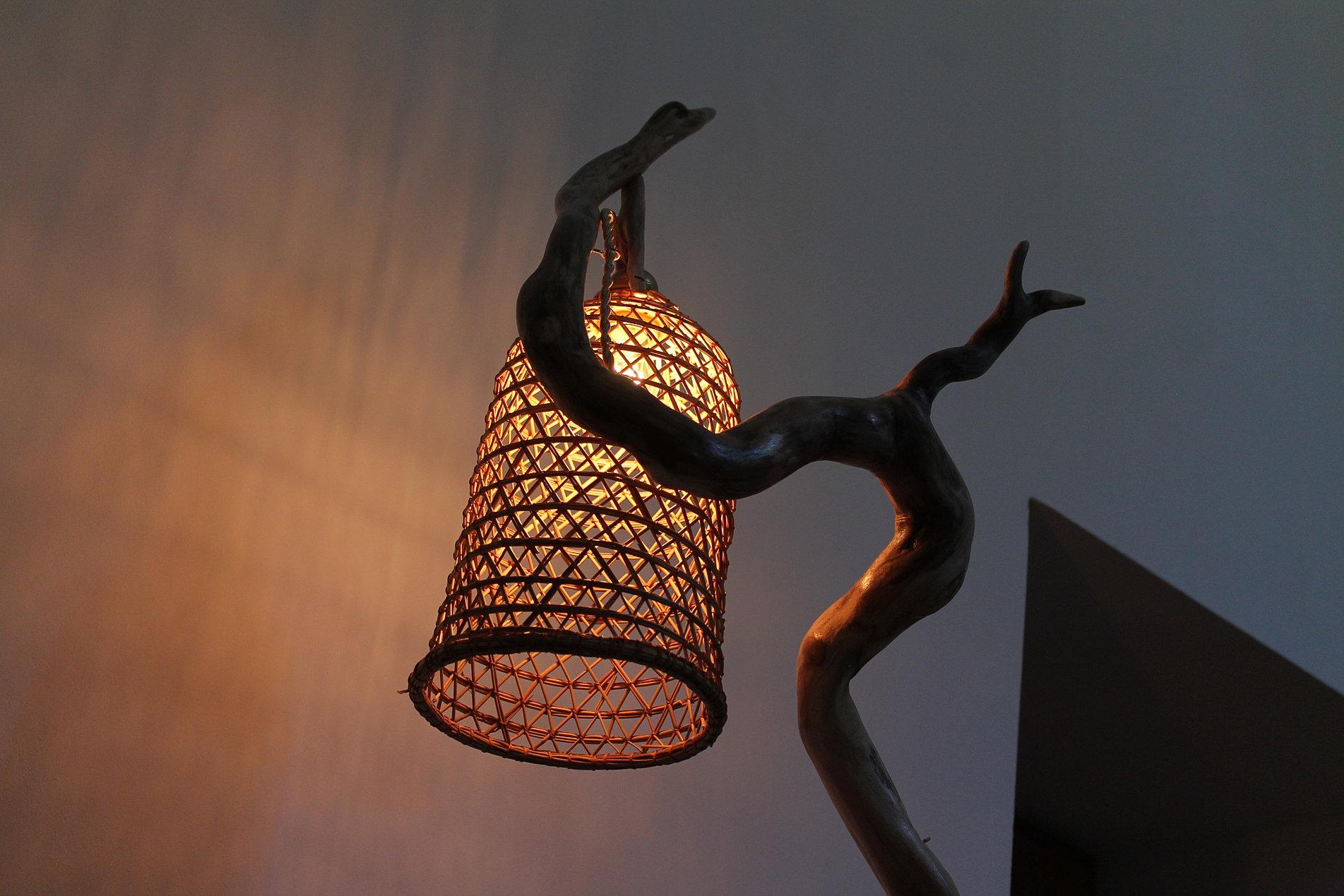 Lampade In Legno Di Mare : Lampada con legni del mare opera d arte di pino quercia