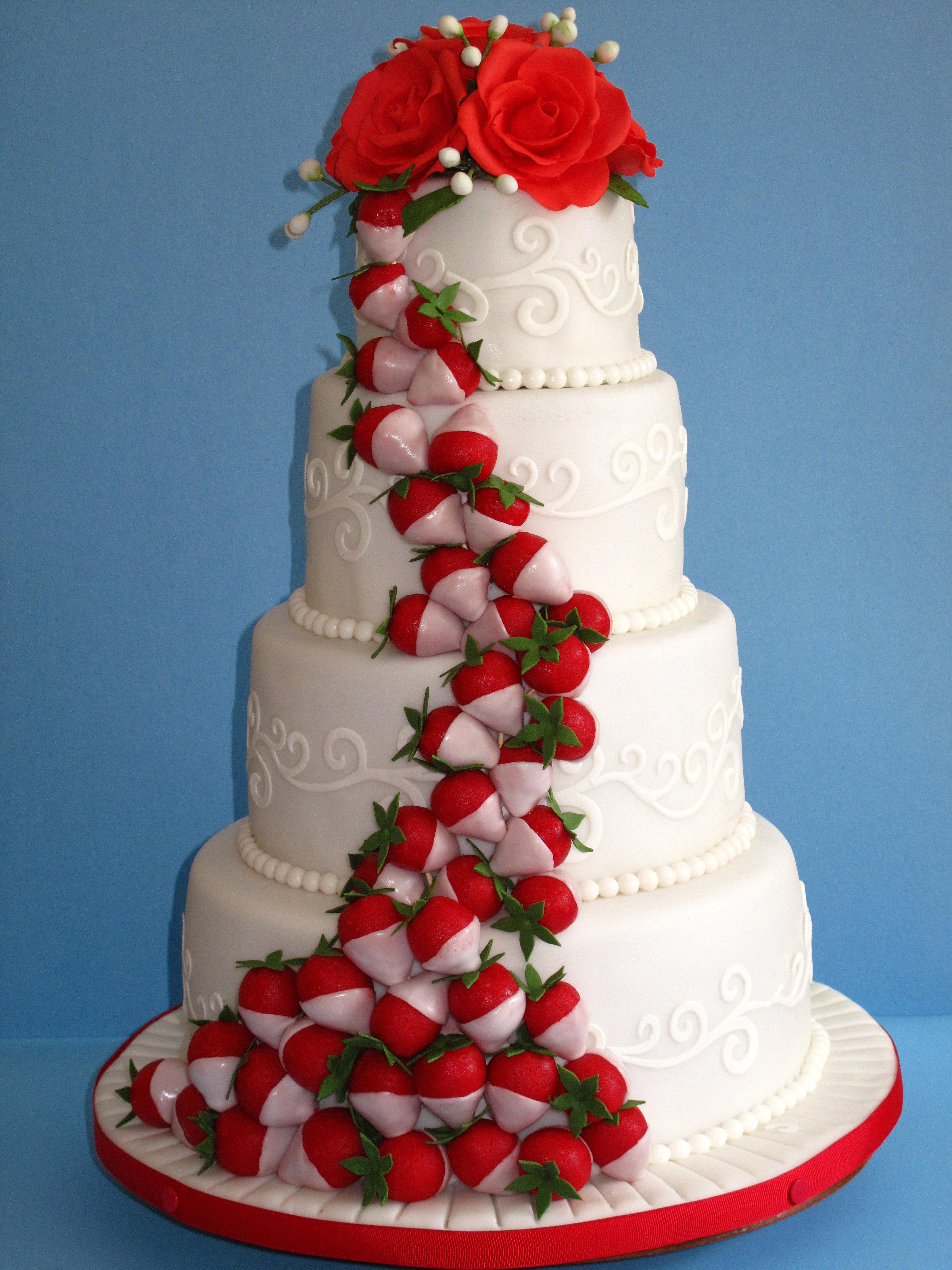 ... GATEAUX * JANA * GIFTS * CADEAUX  Gâteau de mariage-fraise,fraises