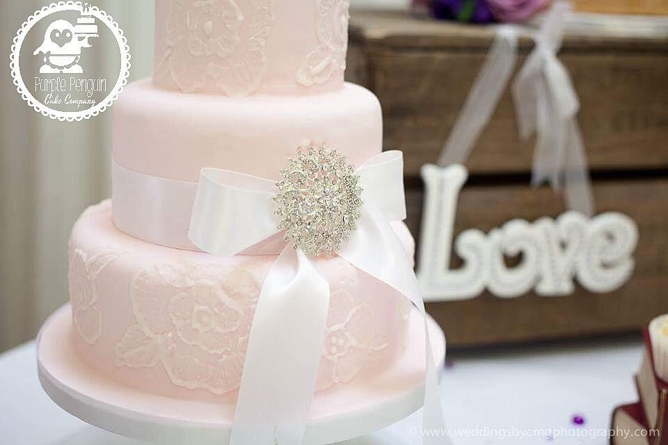 Wedding Cakes Swindon Birthday Cakes Swindon Celebration Cakes