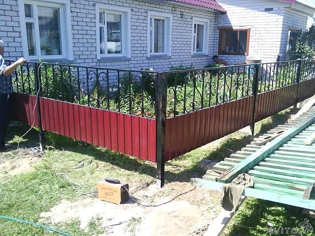 Забор возле дома своими руками 30