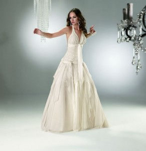 vestidos-de-novia-sin-bordados-6-291x300.jpg