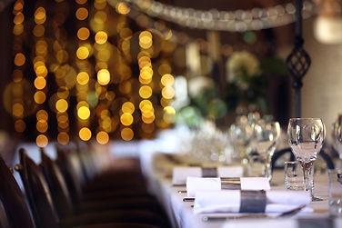 formal-wedding-place-setting-on-long-tab
