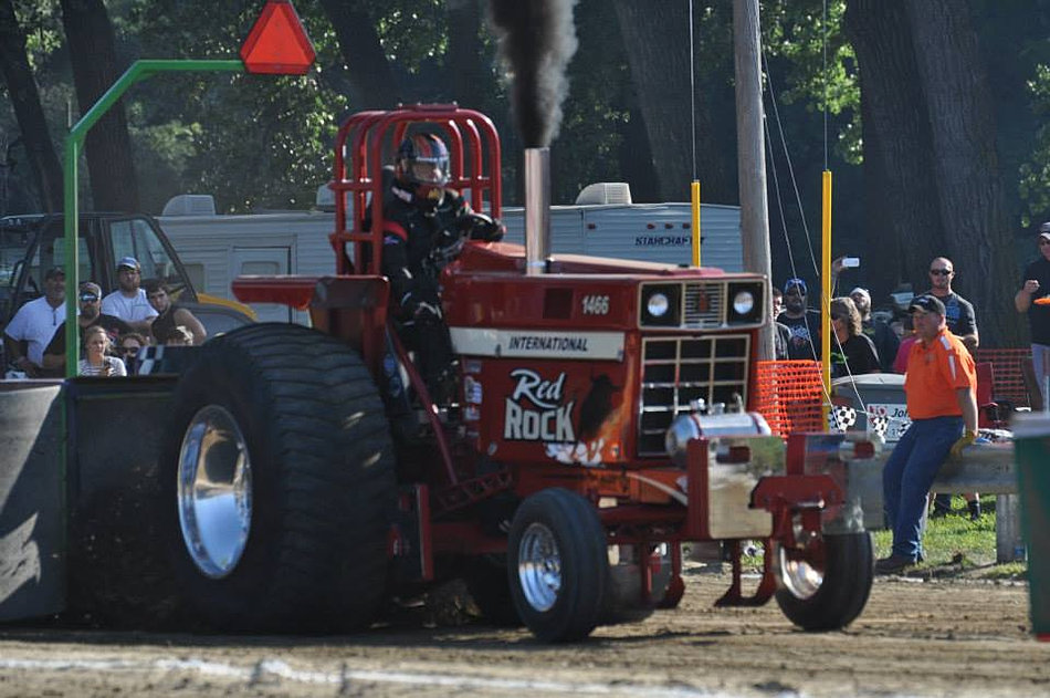 Cut Tractor Pulling Tires : Extreme performance and tire cutting for