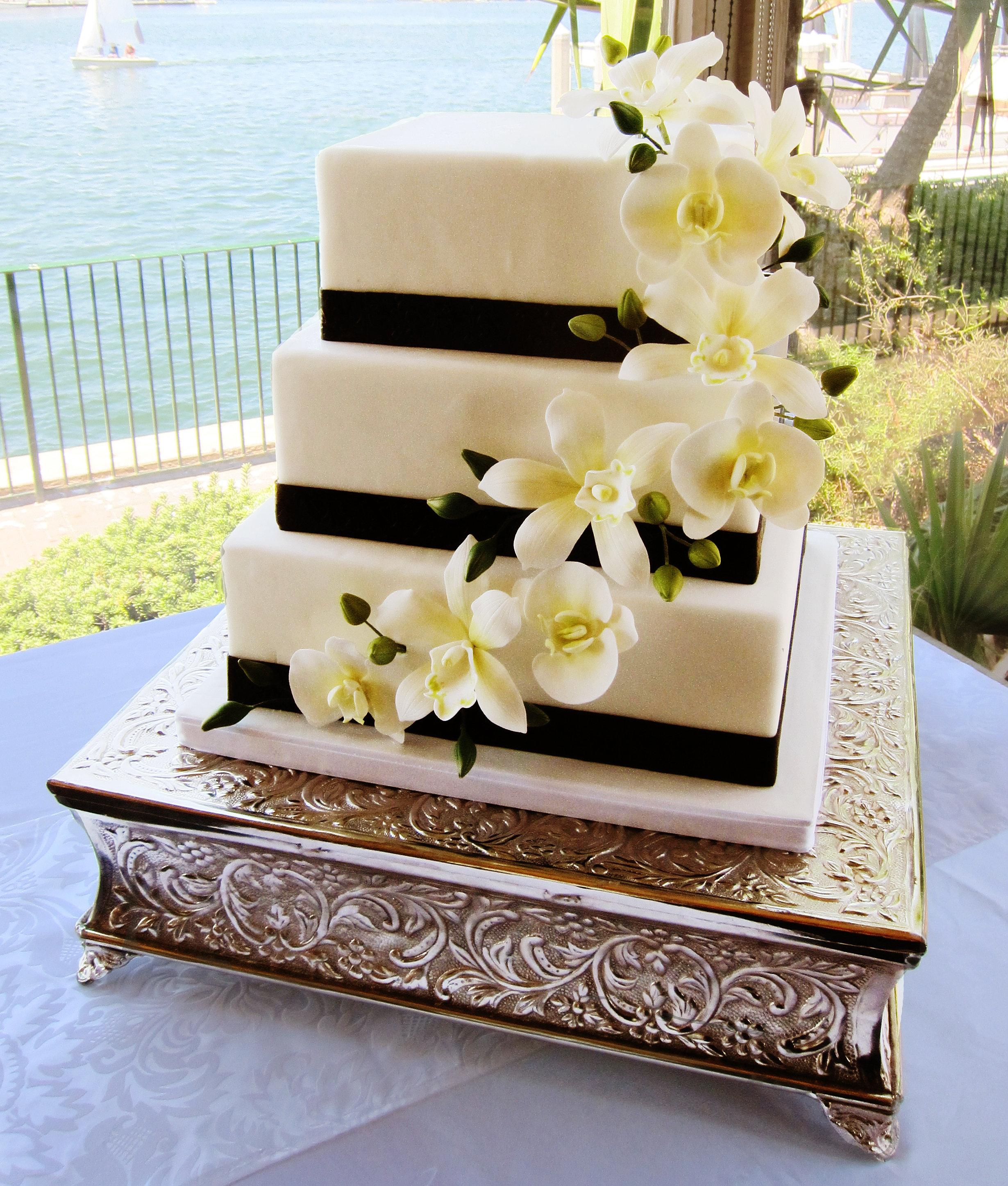 Delicious Arts Custom Cakes