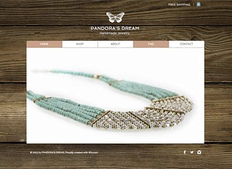 Handgemachter Schmuck Template - Sell your goods online with this polished eCommerce template. Upload images to display your collections and add text to tell the story of your business. By adding items to their carts, customers can make purchases with just a few clicks.