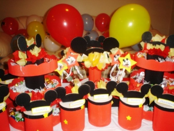 Artecarton set cumplea os mickey mouse for Mesa de cumpleanos de mickey