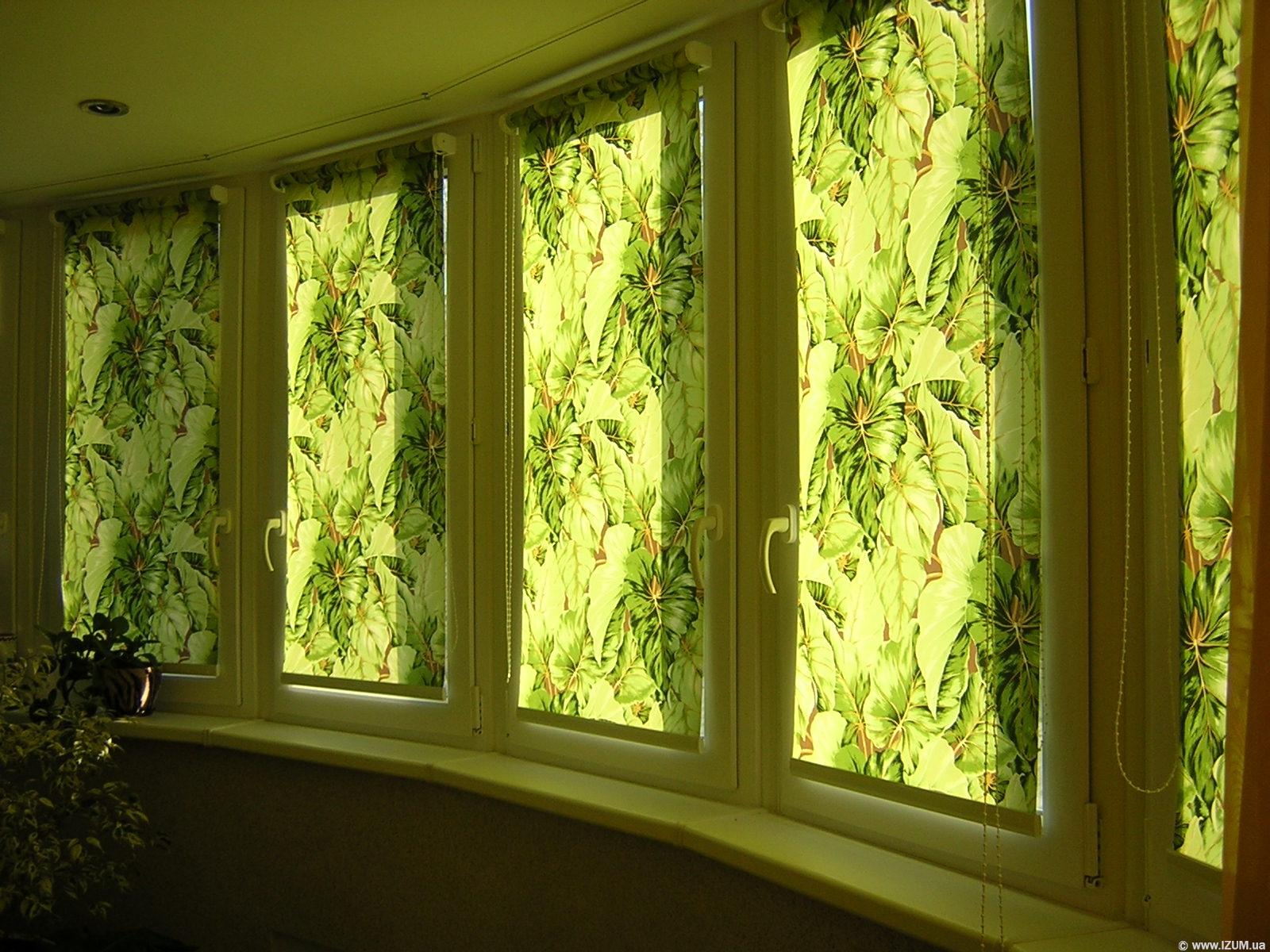 Шторы на окно с балконной дверью: богатство выбора.