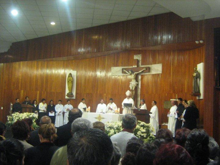 Altar Parroquial - Misa