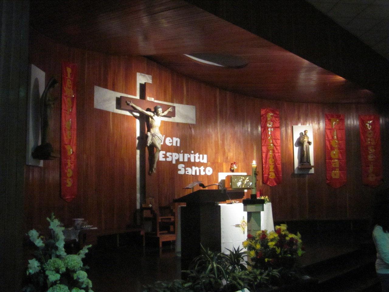 Altar Parroquial - Pentecostes