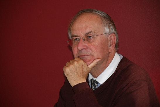 Dr. Michael Platzer