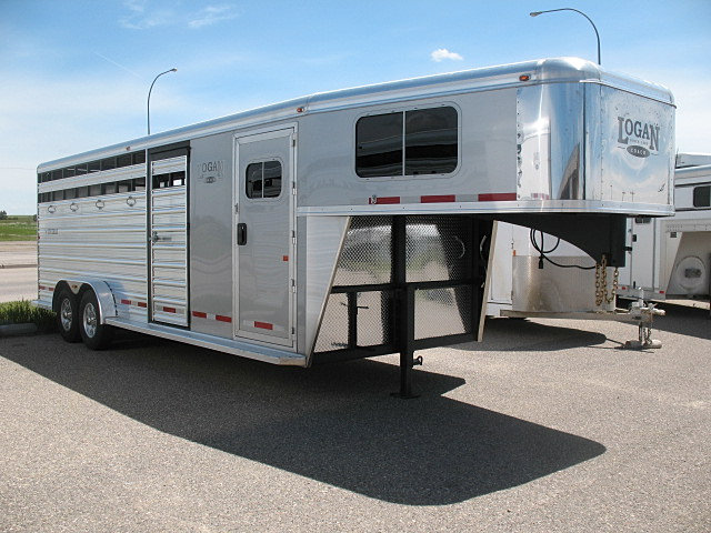 Model Horse Trailers  Thor Industries