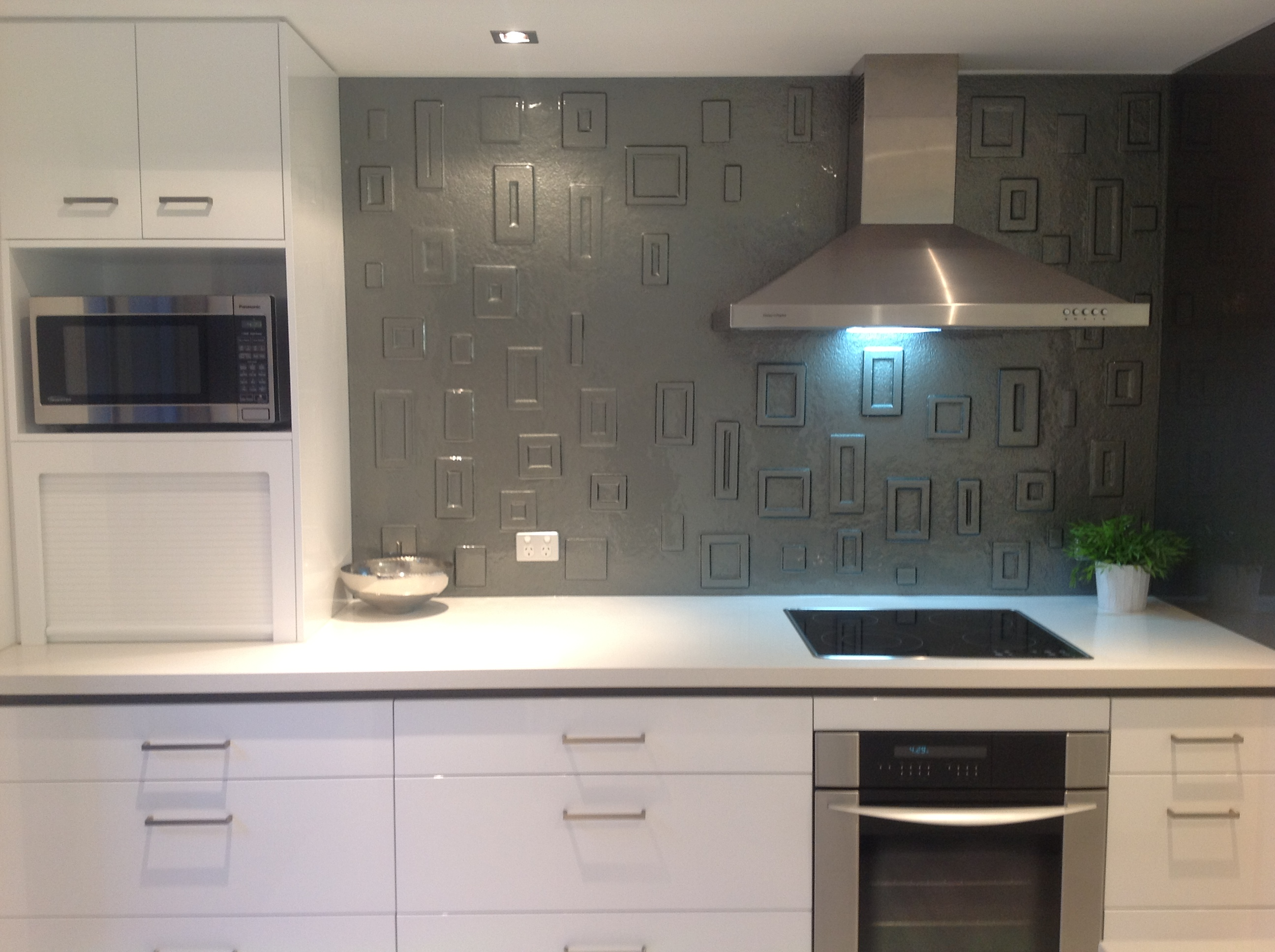Decorative And Artistic Glass Applications Gold Coast