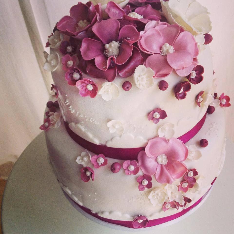 Tortensch n zauberhafte hochzeitstorte - Hochzeitstorte dekorieren ...