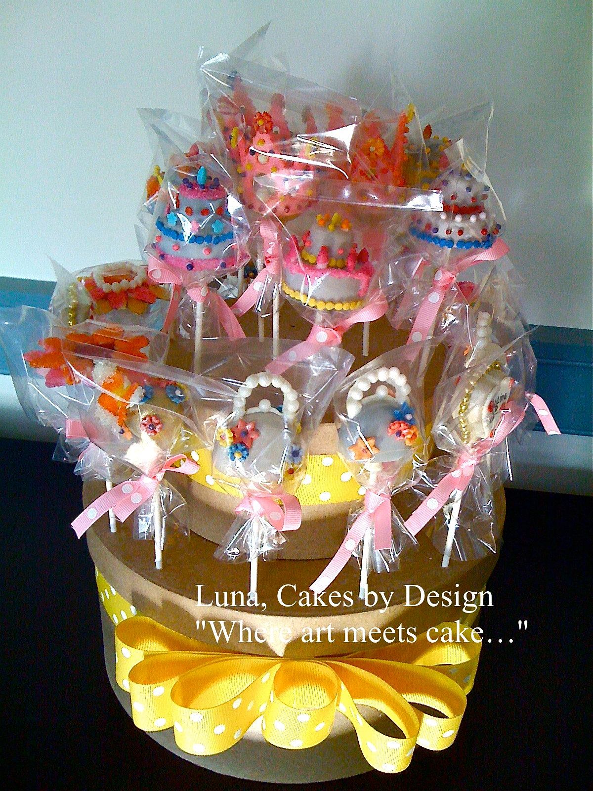 Display Cake Pops For Wedding