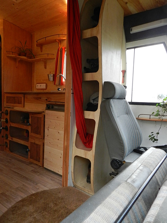 Am nagement de camion for Auto interieur kuisen