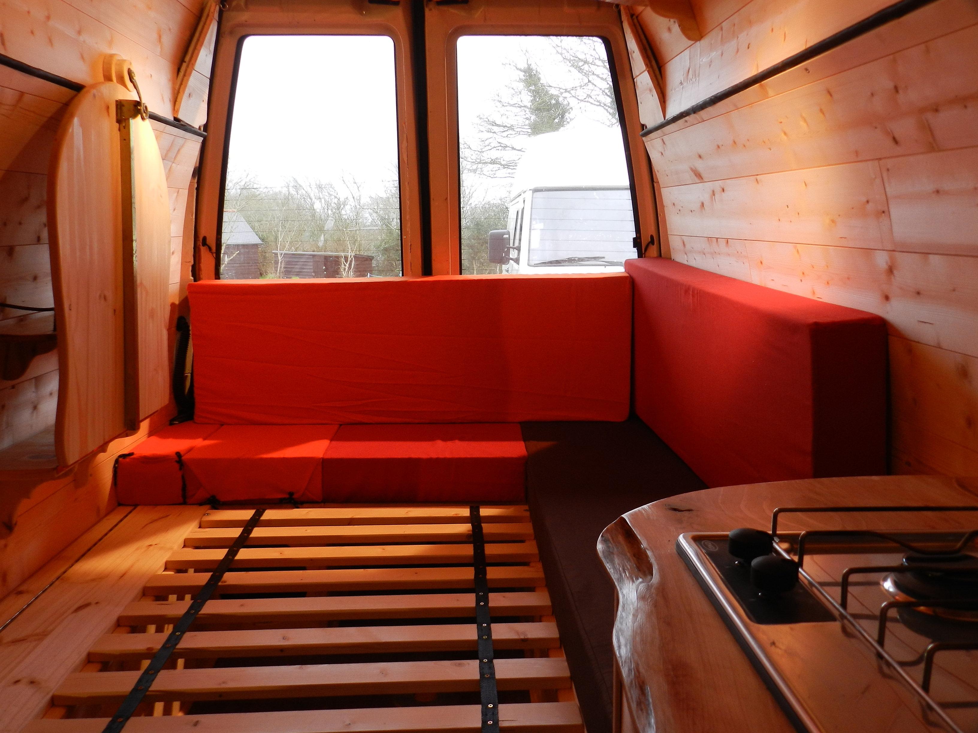 am nagement camion. Black Bedroom Furniture Sets. Home Design Ideas