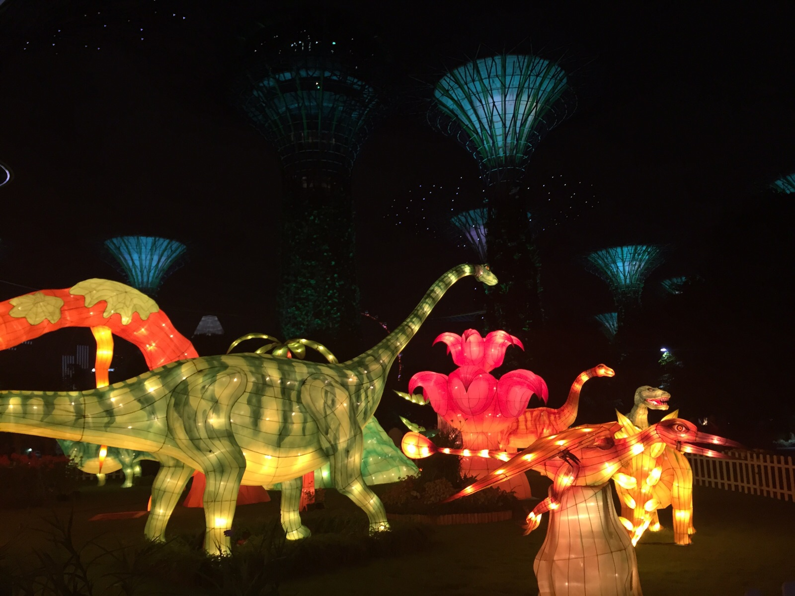 mid autumn festival wingin out crowds at mid autumn festival at gardens by the bay curlytravellercom