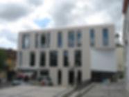 A fachada Sul da Praça do Comércio depois da demolição e da construção do edifício da Loja do Cidadão. © Nuno Rocha, 2012. Arquivo O Riomaiorense.