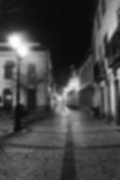 Rua Serpa Pinto. Nocturno. © Nuno Rocha, 1999. Arquivo do jornal O Riomaiorense.