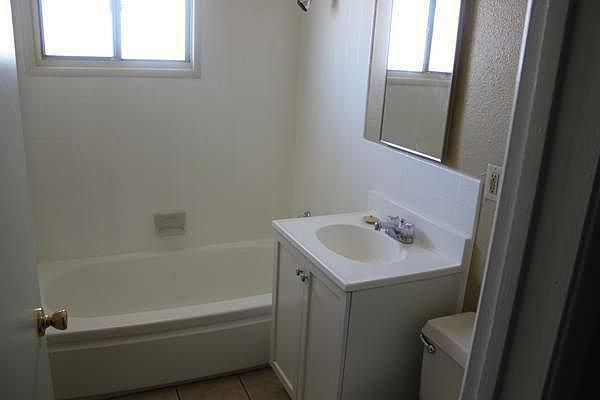 La mirage condos bathroom for W 4 bathrooms chiswick