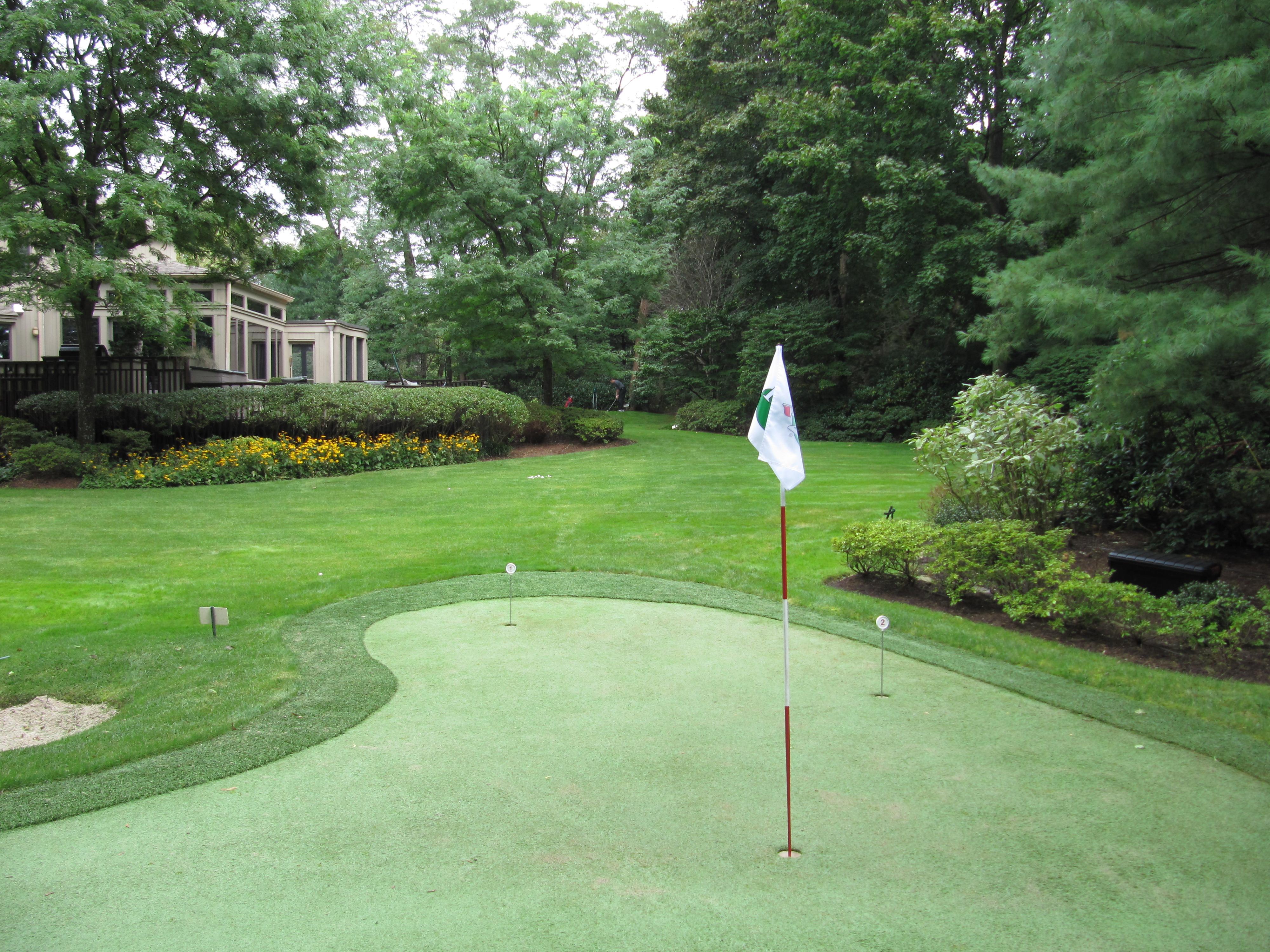 home green advantage backyard putting greens