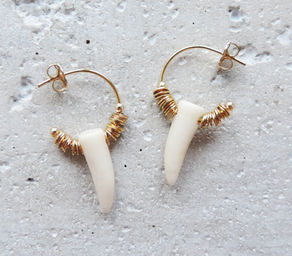 "Elise Tsikis: ""DISME"" Corne - BOUCLES D\'OREILLES / EARRING 