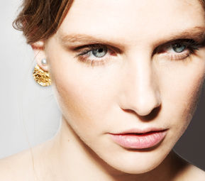 """Elise Tsikis: """"HOTEL DU NORD"""" - BOUCLES D\'OREILLES 