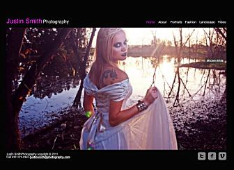 Fotografo di Moda Template - Un sito web dal design scuro, pulito e sofisticato, questo modello è perfetto per coloro che hanno bisogno di promuovere un portfolio sul web