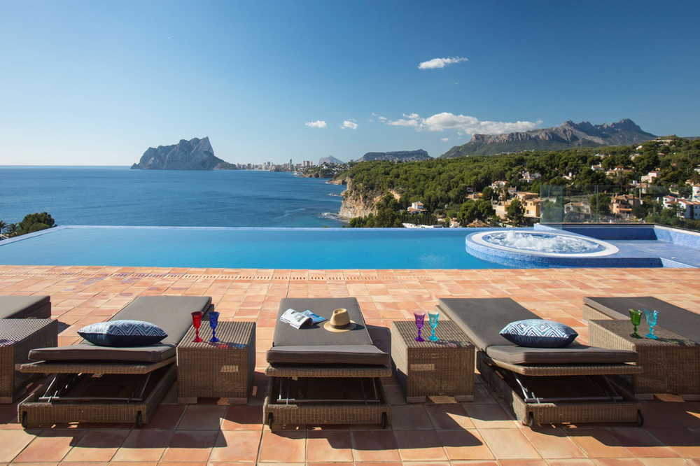 FINE & COUNTRY COSTA BLANCA NORTH WIN BEST LUXURY REAL ESTATE AWARD