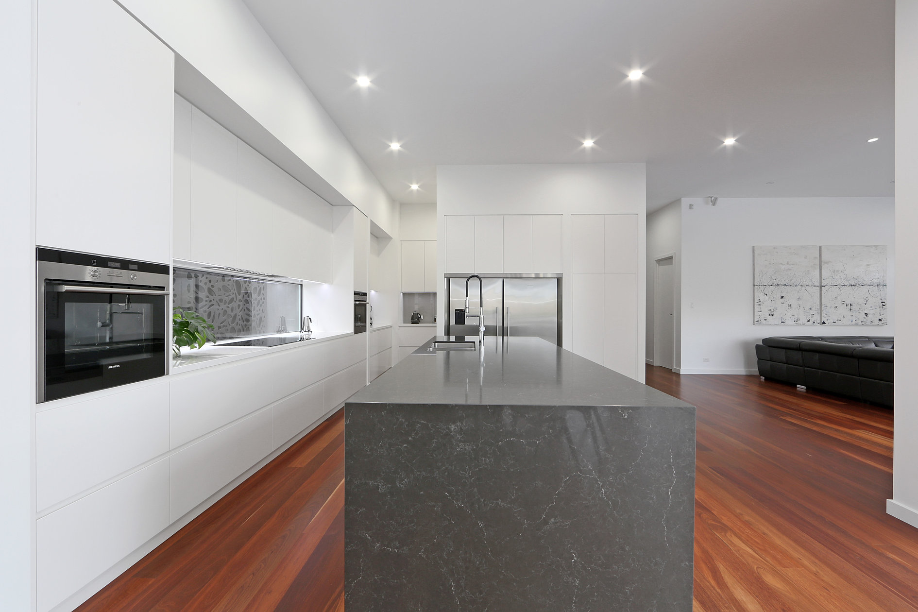 Exellent kitchen design melbourne renovation brisbane for Kitchen designs melbourne