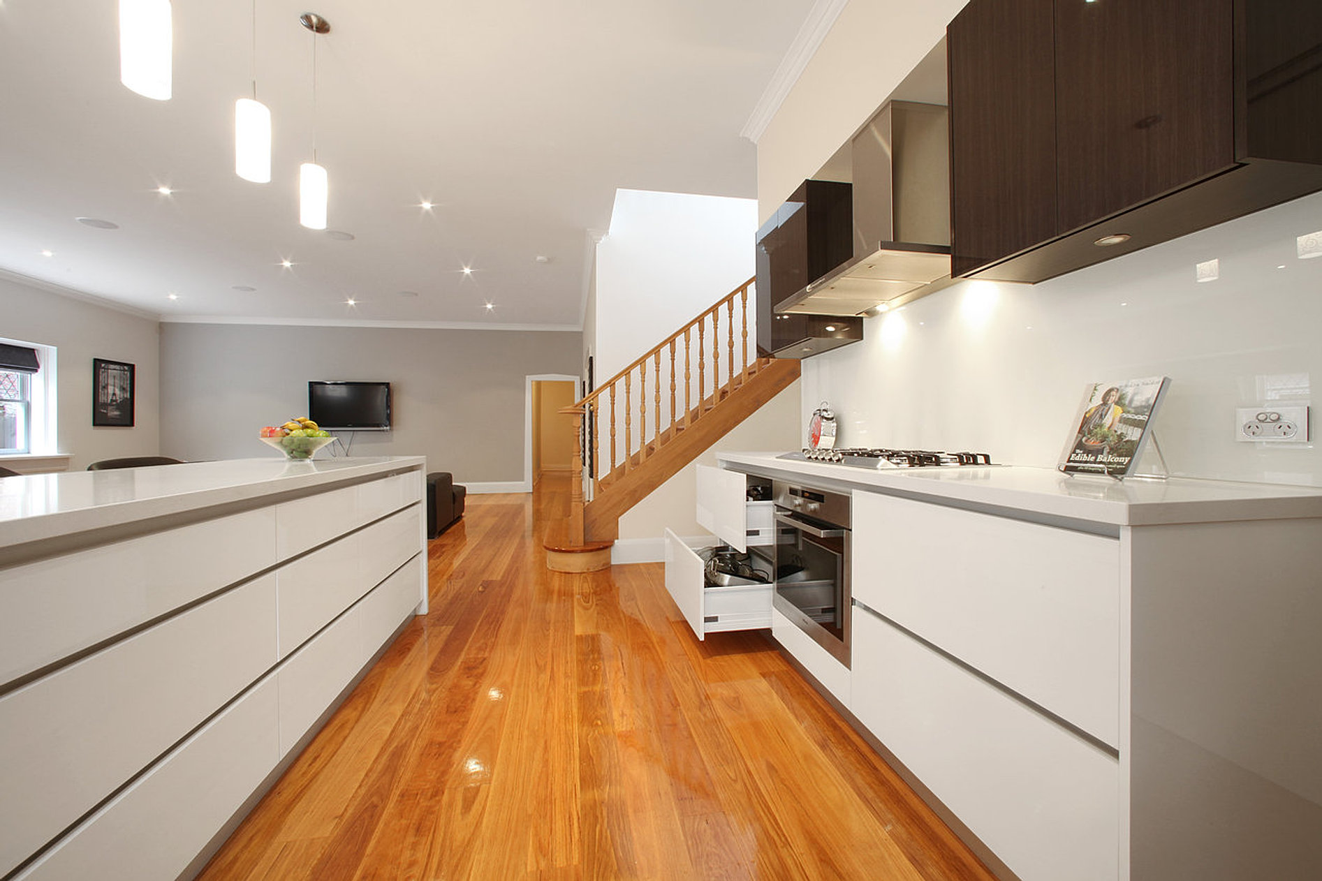 Kitchens melbourne for Kitchen cabinet makers