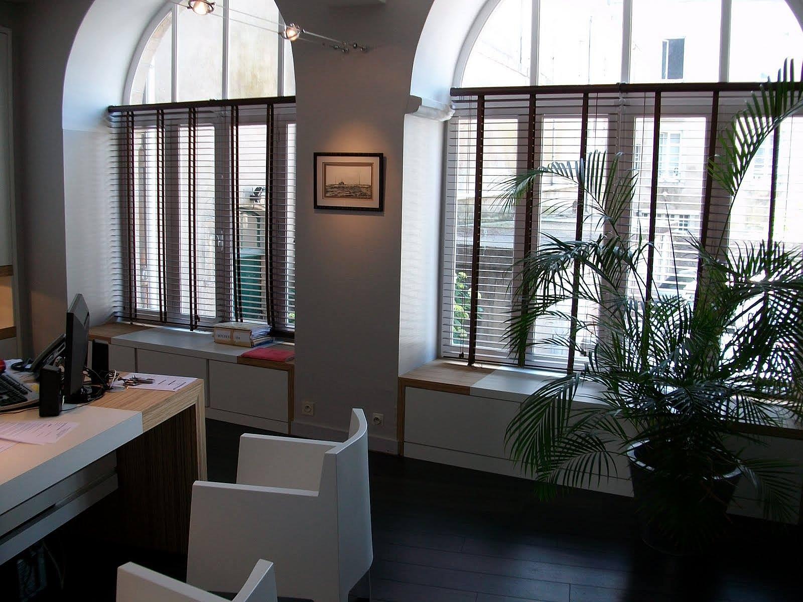 domicile fixe architecture int rieur d coration cabinet d 39 avocat. Black Bedroom Furniture Sets. Home Design Ideas